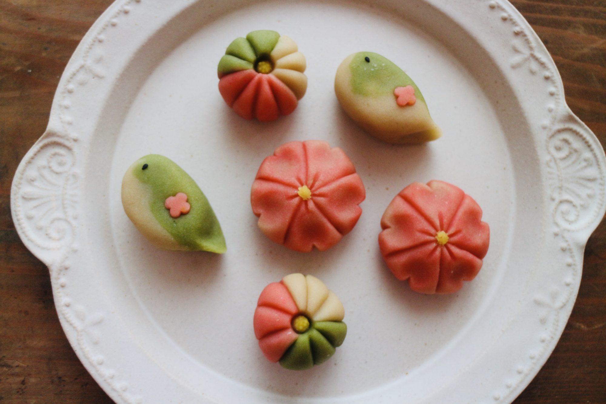フードコディネーターによる春の和菓子作りワークショップ